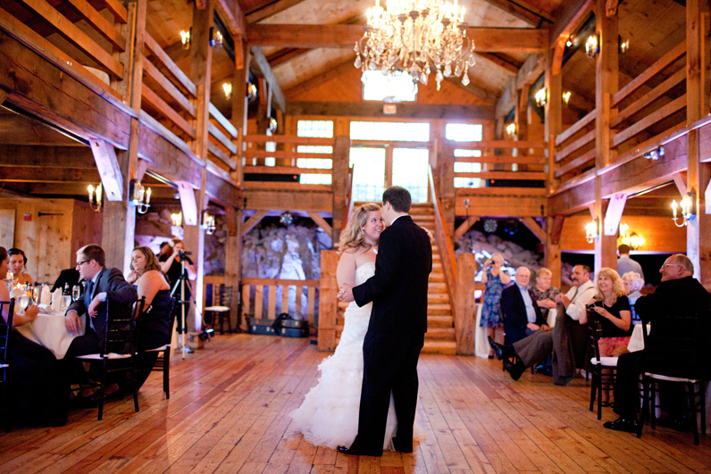 first dance at the red lion inn - wedding reception