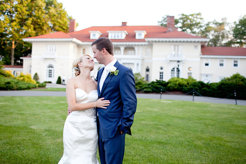 bride and groom at tupper manor